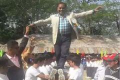 শিক্ষার্থীদের পিঠের উপর হাঁটা চেয়ারম্যানের জামিন বাতিল