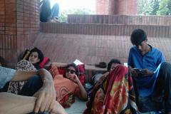 অনশনে চার শিক্ষার্থী : সিন্ডিকেট সভা আহ্বান