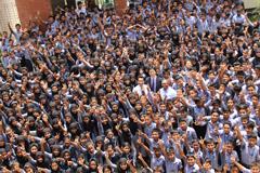 সুবিধাবঞ্চিতদের মাঝে আলো ছড়াচ্ছে 'স্বপ্ন স্কুল'