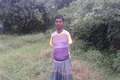 ব্ল্যাক বেঙ্গল বদলে দিল প্রতিবন্ধী শাকুলের জীবন