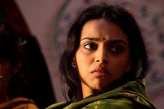 অভিনয়ের প্রস্তাব দিয়ে হোটেলে জড়িয়ে ধরেন পরিচালক : স্বরা ভাস্কর