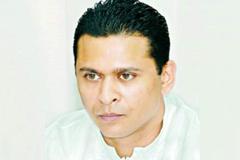 শাহজালালে সোহেল তাজের স্যুটকেস ভেঙে তল্লাশির অভিযোগ