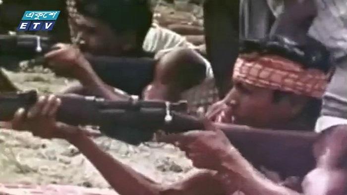 বাঙালির মুক্তি সংগ্রামে যোগ দেয় ভারতীয় বাহিনী