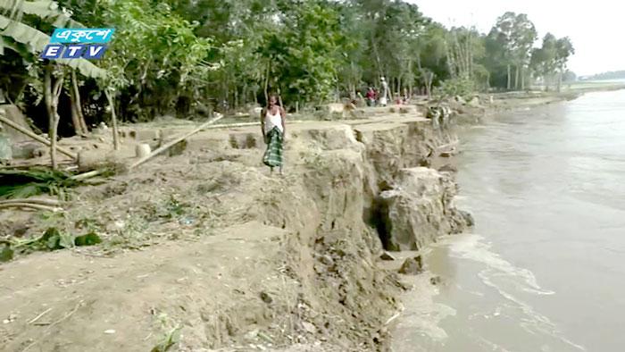 কুড়িগ্রামে নদী ভাঙন: রাত কাটছে খোলা আকাশের নিচে (ভিডিও)