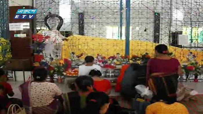 খাগড়াছড়িতে মাসব্যাপী চিবরদান উৎসব চলছে (ভিডিও)