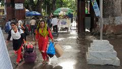 ভারতে পাচার হওয়া ৩ নারীকে বেনাপোল দিয়ে ফেরত