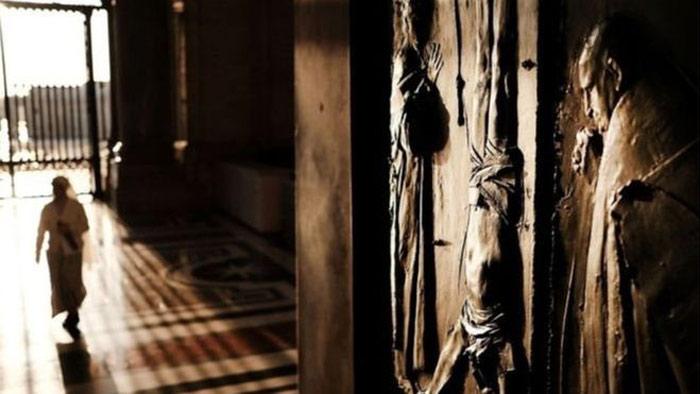 জার্মান যাজকদের বিরুদ্ধে হাজারো শিশুকে নির্যাতনের অভিযোগ