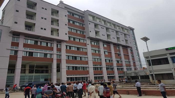 উদ্বোধনের অপেক্ষায় চাঁপাইনবাবগঞ্জ আধুনিক সদর হাসপাতাল