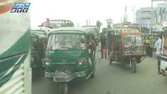 ময়মনসিংহে মহাসড়গুলোতে অবাধে চলছে ৩ চাকার যানবাহন