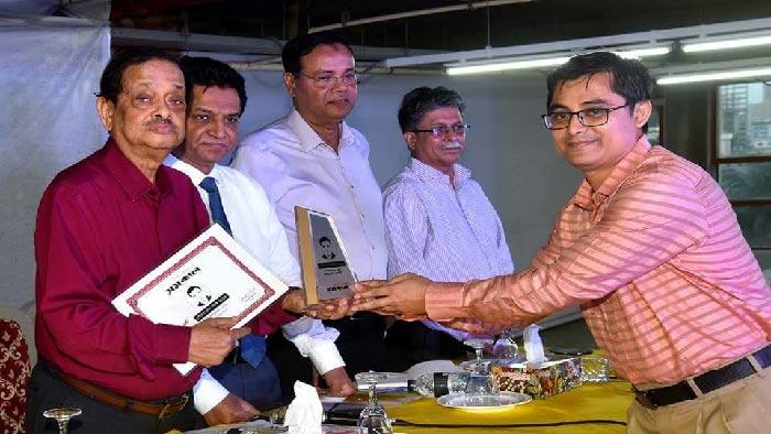 'গৌতম দাস পদক' পেলেন সাংবাদিক সারোয়ার সুমন
