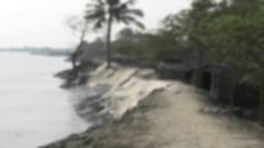 ভাঙ্গনে ছোট হচ্ছে সাতক্ষীরার বিছট গ্রাম(ভিডিও)