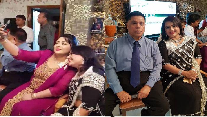 স্ত্রীর সঙ্গে হিন্দি গান গাইলেন মাহফুজুর রহমান (ভিডিও)