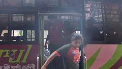 এবার মাইক্রোবাস পেলেন নারী ক্রিকেটাররা