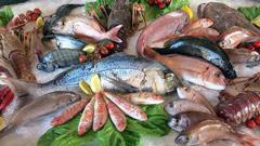 হার্ট অ্যাটাক থেকে বাঁচতে খাবেন সামুদ্রিক মাছ