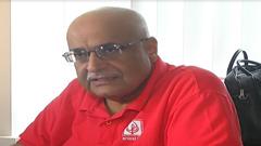 'বিনিয়োগ ও রাজনৈতিক স্থিতিশীলতায় জোর দিতে হবে'