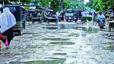 চুয়াডাঙ্গার সরোজগঞ্জ-হিজলগাড়ি-উথলী সড়কের বেহাল দশা