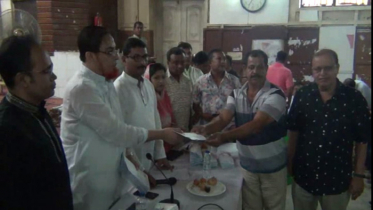 কুমিল্লায় ৮৫টি পূজামন্ডপে অনুদান প্রদান