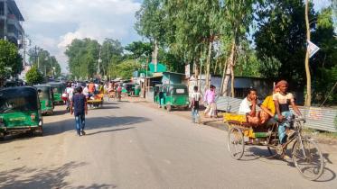 সিরাজগঞ্জে পঞ্চম দিনের মত চলছে বাস ধর্মঘট