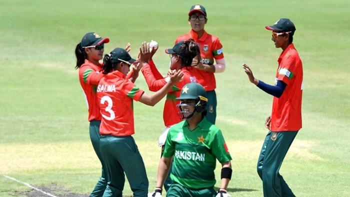 পাকিস্তানকে হারিয়ে উল্লাসিত বাংলাদেশ নারী ক্রিকেটাররা। ছবি: সংগৃহীত