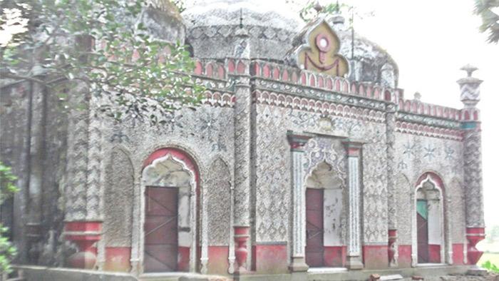 ঐহিত্যবাহী তিন গম্বুজ মসজিদ- সংগৃহীত