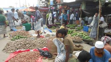 সুনামগঞ্জে হাট-বাজারে নেই স্বাস্থ্যবিধির বালাই