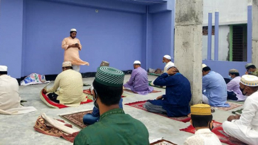 রাজশাহীতে ঈদুল ফিরতের প্রধান জামাত দরগাহ মসজিদে অনুষ্ঠিত