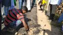 আশুগঞ্জে নিম্নমানের সামগ্রীতে রাস্তা সংস্কারে এলাকাবাসী ক্ষুব্ধ