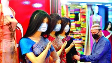 ঈদ বাজার:  স্বাস্থ্যবিধি মানছে না কেউ