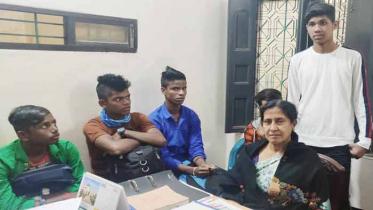 ভারতে পাচার ৫ কিশোরকে বেনাপোল চেকপোষ্ট দিয়ে হস্তান্তর