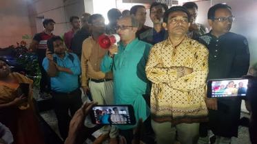 তিন দফা দাবি মেনে নিল এসএ টিভি