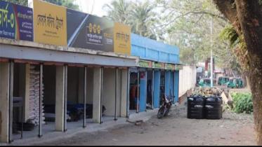 নবীনগরে সরকারি খাল দখল করে অবৈধ মার্কেট