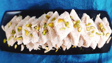 মজার খাবার নারিকেল বরফি