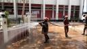 রাজবাড়ীতে করোনা ভাইরাস রোধে ছিটানো হচ্ছে ব্লিচিং পানি