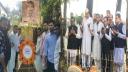 লালদীঘির গণহত্যা দিবসে মহিউদ্দিন শামীমের কবরে শ্রদ্ধা