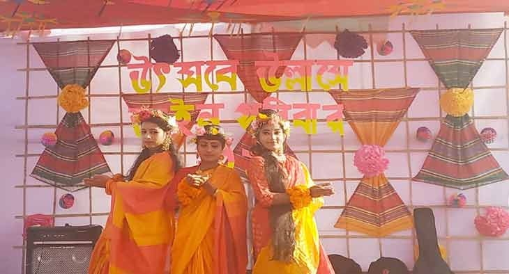 বর্ণাঢ্য বসন্ত বরণ ও ভালোবাসার উৎসবে মুখরিত গণ বিশ্ববিদ্যালয়