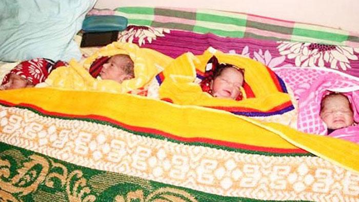 একসঙ্গে ৪ সন্তানের জন্ম দিলেন চাঁপাইয়ের নাজনিন