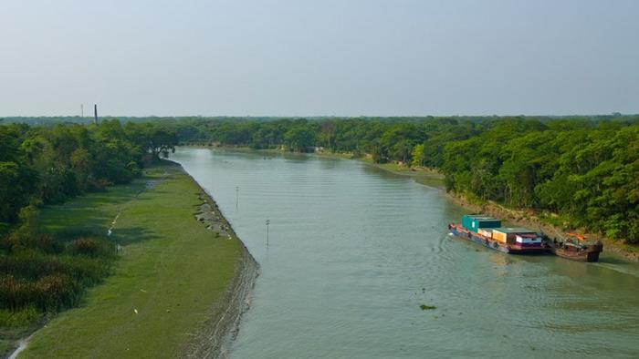 হুমকিতে দেশের একমাত্র কৃত্রিম আন্তর্জাতিক নৌ পথ