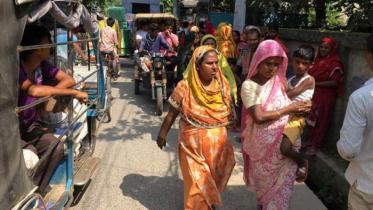 'ছেলেধরা সন্দেহে'এবার চিপস কোম্পানির ৩ জনকে গণধোলাই