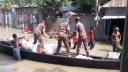 সিরাজগঞ্জে বাঁধ ভেঙ্গে পানিবন্দি তিন শত পরিবার