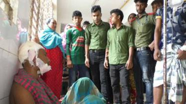 সিরাজগঞ্জে 'ছেলেধরা' সন্দেহে যুবককে গণপিটুনি
