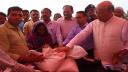 বন্যার্তদের ঘরে ঘরে খাদ্য সামগ্রী পৌঁছে দেবে সরকার