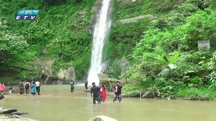 নান্দনিক সাজে মৌলভীবাজারের রিসোর্ট (ভিডিও)
