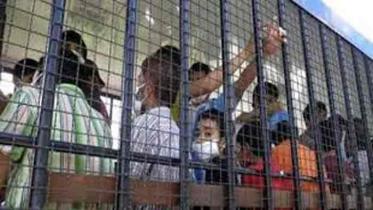 উইঘুর মুসলিমদের বন্দি রাখতে ৫০০ কারাগার চালাচ্ছে চীন