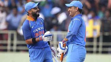 ধোনি-সহ ৭ ভারতীয় ক্রিকেটারকে চেয়েছে বিসিবি