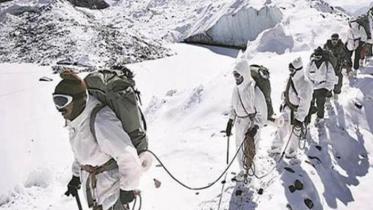 সিয়াচেনে তুষারপাতে চার ভারতীয় সেনাসহ ৬ জনের মৃত্যু