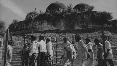 যে মুসলমানের রিপোর্টের ভিত্তিতে বাবরি মসজিদের বিরুদ্ধে রায়