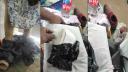 পায়ে বেঁধে অভিনব পন্থায় ১৮টি মোবাইল পাচার, দম্পতি আটক