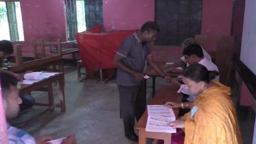ঝিনাইদহে দুই উপজেলা নির্বাচনে চলছে ভোটগ্রহণ