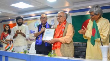 গান্ধী শান্তি পুরস্কার পেলেন রামেন্দু মজুমদার