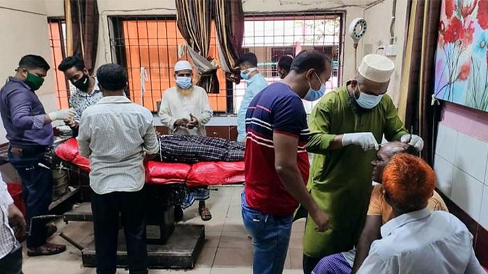 ব্রাহ্মণবাড়িয়া সদর হাসপাতালে চিকিৎসা নিচ্ছেন আহতরা